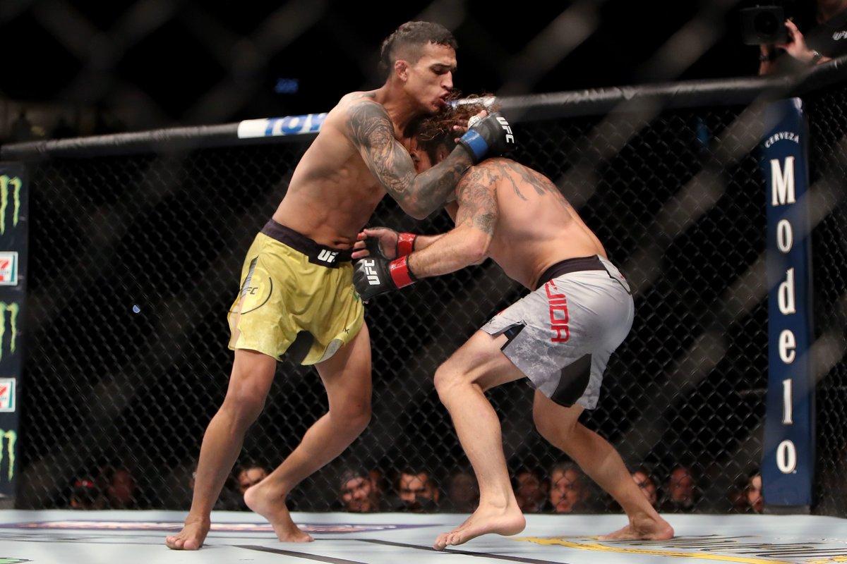 Чарльз изБронкса— самый бескомпромиссный боец UFC. Онбьет один рекорд задругим
