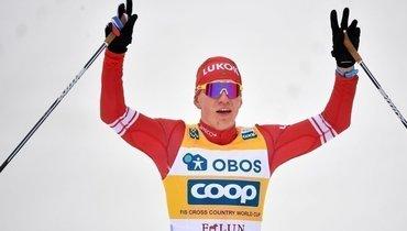 Большунов выиграл индивидуальную гонку наэтапе Кубка мира вДавосе, весь пьедестал— российский