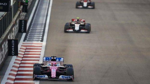 Ферстаппен завершает сезон победой. Квят сухо прощается с «Формулой-1»