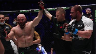 Магомед Исмаилов победил Ивана Штыркова.