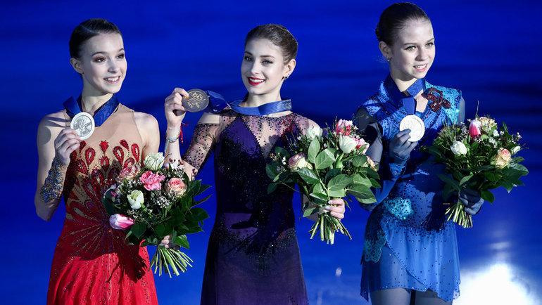 Анна Щербакова, Алена Косторная иАлександра Трусова (слева направо). Фото Дарья Исаева, «СЭ» / Canon EOS-1D X Mark II