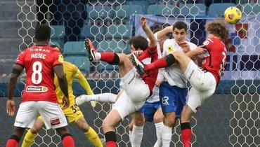 Нобоа рассказал, почему матчи «Сочи» и «Спартака» оборачиваются скандалом