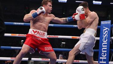 Сауль Альварес победил Каллума Смита изащитил титул суперчемпиона мира поверсии WBA