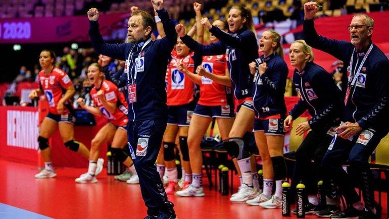 Женская сборная Норвегии выиграла чемпионат Европы. Фото Twitter