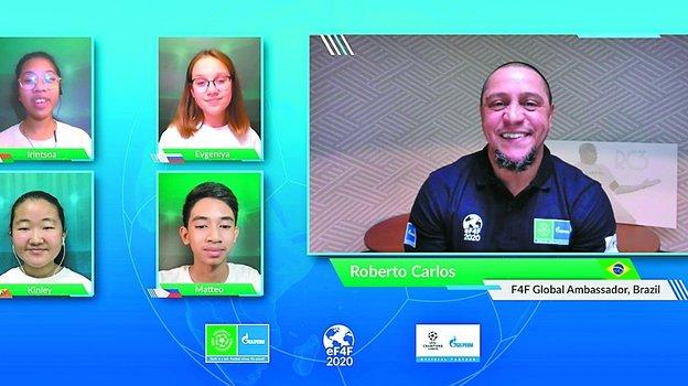 На этот раз 40 Юных журналистов из более чем 30 стран вошли в состав онлайн-пресс-центра. Фото media.footballforfriendship.com