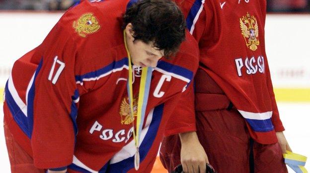 5января 2006 года. Ванкувер. Россия— Канада— 0:5. Евгений Малкин иСергей Огородников. Фото Reuters