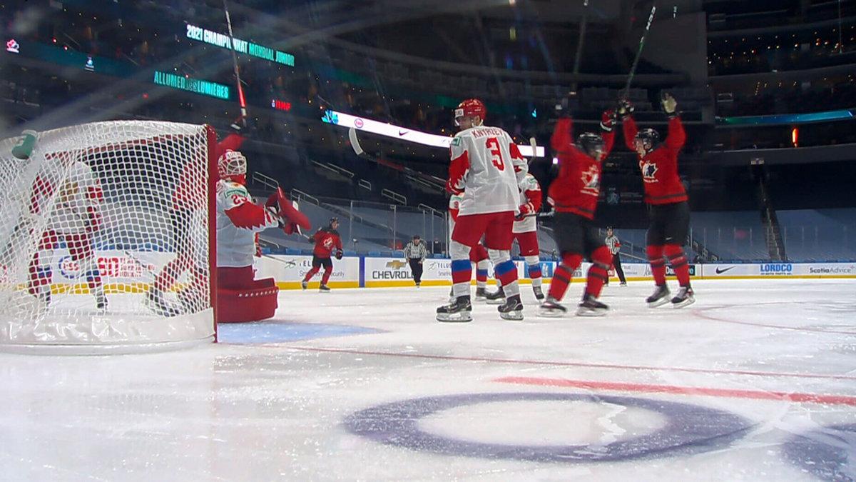 «Советский хоккей» Ларионова работает невсегда. Почему Россия закончила матч сКанадой без голов