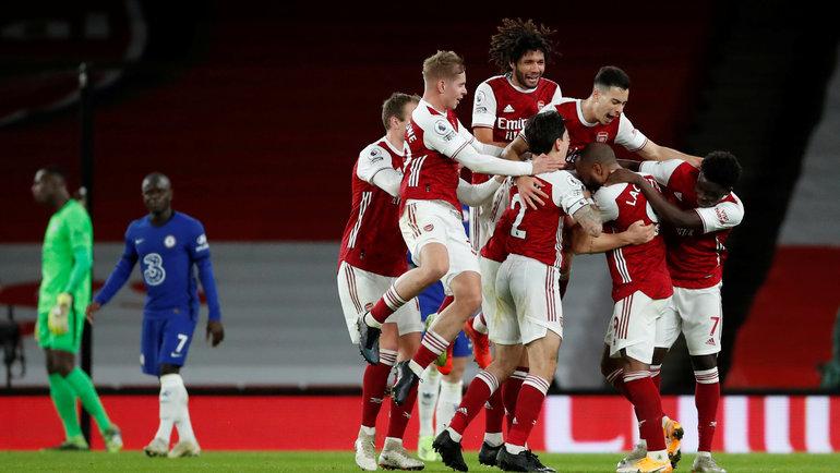 26декабря. Лондон. «Арсенал»— «Челси»— 3:1. 44-я минута. «Канониры» празднуют второй гол. Фото Reuters