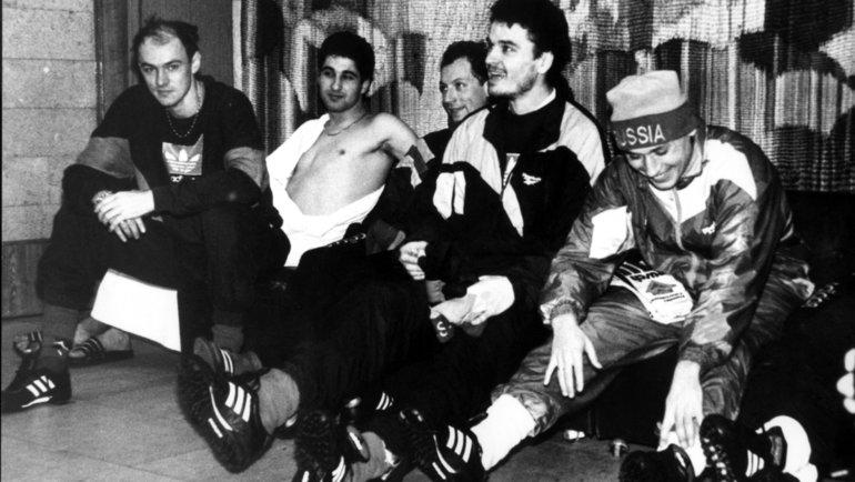 1995 год. Тарасовка. Виктор Онопко, Рамиз Мамедов, Дмитрий Хлестов, Юрий Никифоров, Илья Цымбаларь (слева направо). Фото Юрий Широкогоров