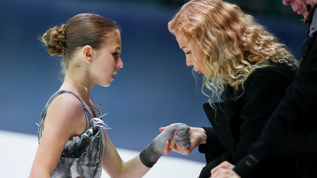 Александра Трусова и Этери Тутберидзе. Фото Дарья Исаева, «СЭ» / Canon EOS-1D X Mark II