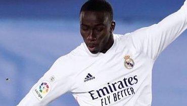 «Реал» непроигрывает 30 матчей подряд сМенди встартовом составе