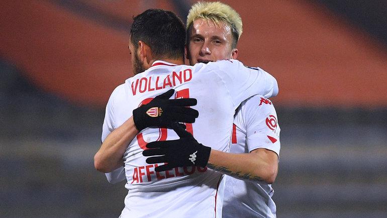 6ноября. Лорьян. «Лорьян»— «Монако»— 2:5 (1:1). Кевин Фолланд поздравляет сголом Александра Головина.