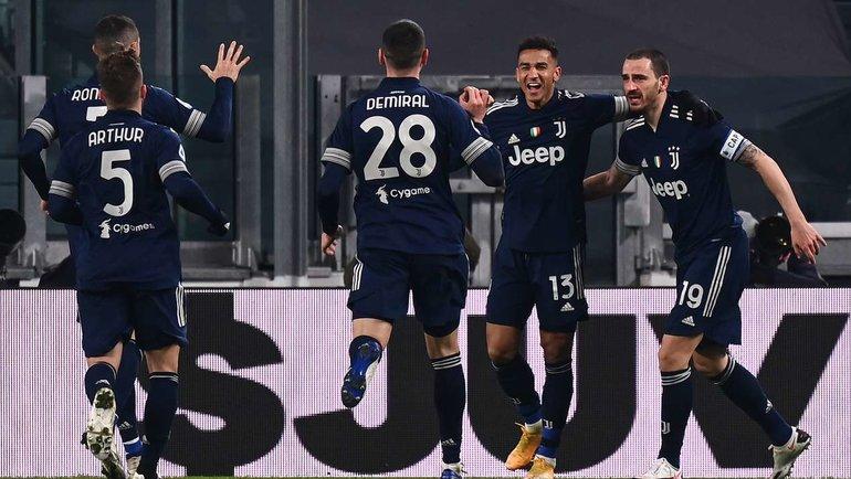 10декабря. Турин. «Ювентус»— «Сассуоло» (3:1). Данилу отмечает забитый гол. Фото AFP