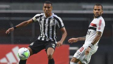 Дани Алвес ошибся, «Сан-Паулу» проиграл «Сантосу»