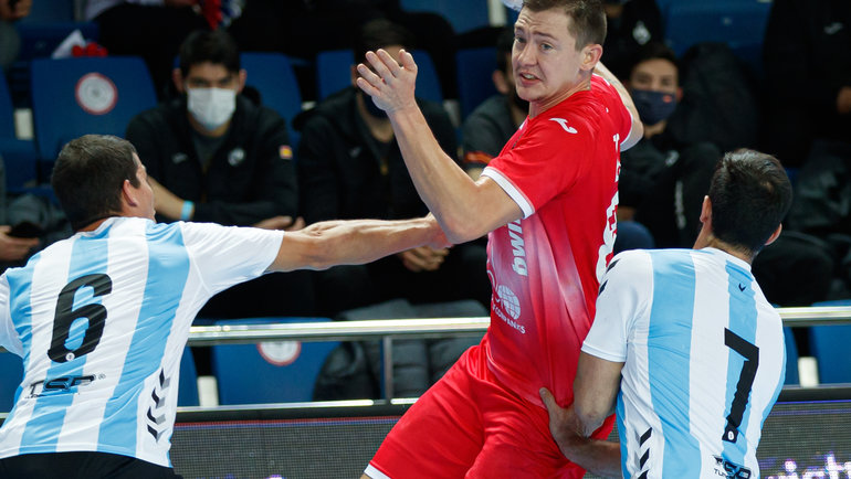 Дмитрий Житников— единственный разыгрывающий всоставе сборной России. Фото ФГР