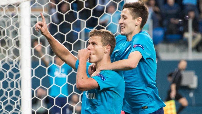 Александр Кокорин (слева) иДалер Кузяев. Фото Вячеслав ЕвдокимовФК «Зенит»
