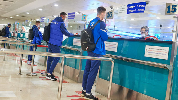 «Динамо» прилетело вТурцию без новичков. Ипроверило пограничников набдительность