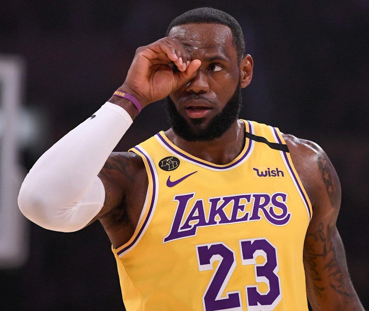 Звезды НБА предлагают судить Трампа. Аолимпийского чемпиона увольняют заКапитолий