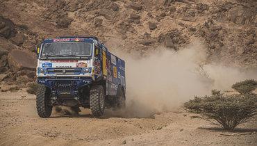 Россиянин Дмитрий Сотников впервые вкарьере победил на «Дакаре» взачете грузовиков