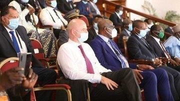Инфантино посетил открытие чемпионата африканских наций