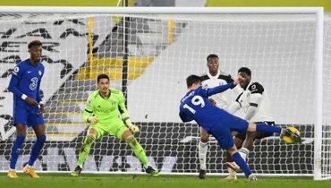 «Челси» выстрадал победу, вГолландии фанаты заклеили ворота, вПортугалии замерзли поля