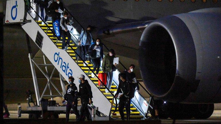14января. Мельбурн. Теннисисты прилетели чартерным рейсом. Фото AFP
