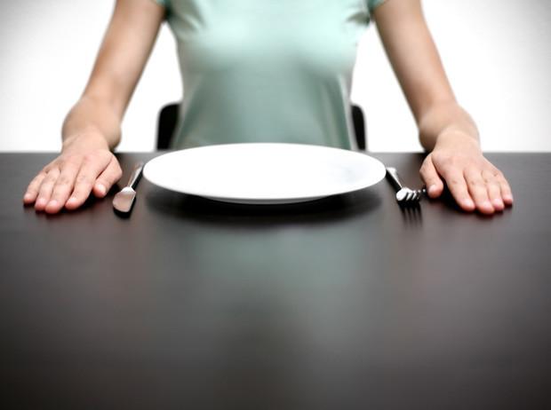 Можноли похудеть при помощи голодания иопасноли оно для здоровья.