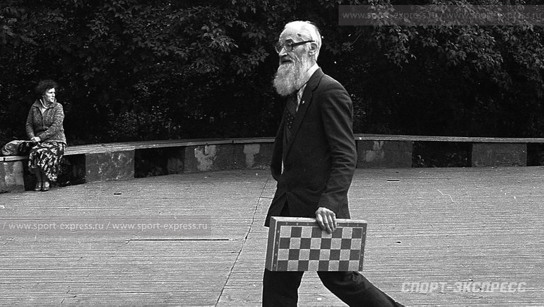 """Август 1984 года. Сокольники. Неопоздатьбы. Фото Александр Федоров, """"СЭ"""""""
