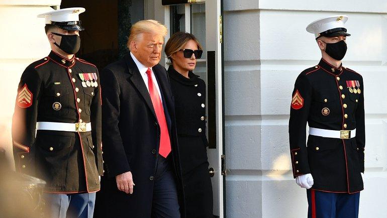 Дональд Трамп сженой. Фото AFP