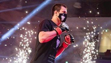 Умар Нурмагомедов добился победы вдебютном бою вUFC