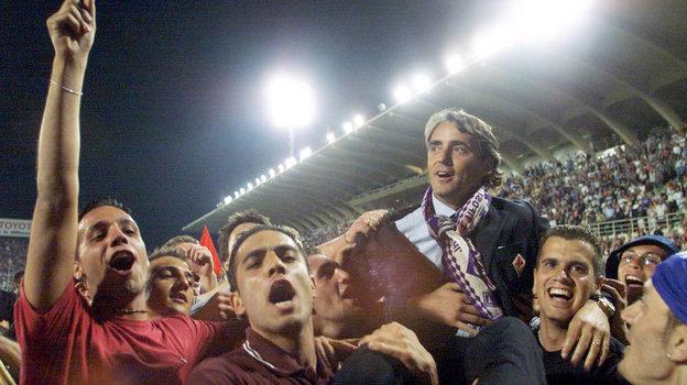 2001 год. Роберто Манчини— тренер «Фиорентины». Фото Reuters