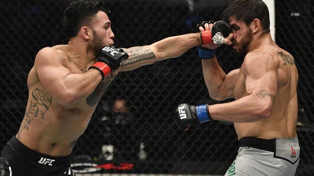 24января. Абу-Даби. UFC 257. Брэд Таварес победил Антонио Карлоса. Фото Reuters