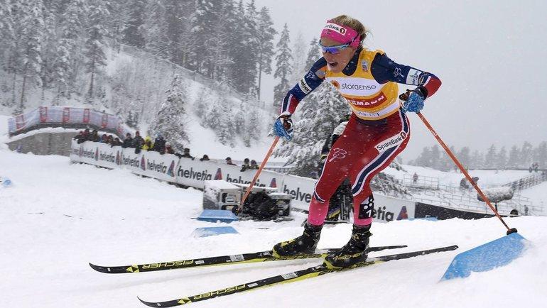 Тереза Йохауг всоставе сборной Норвегии выиграла эстафету наКубке мира вЛахти. Фото AFP