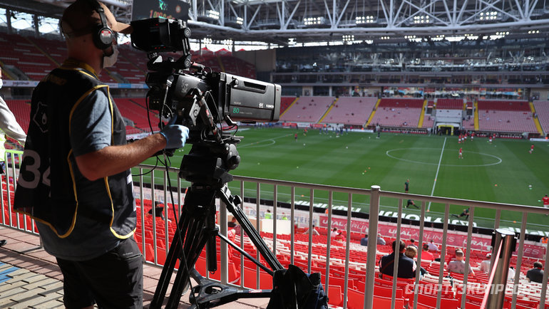Телеоператор настадионе «Открытие Арена». Фото Александр Федоров, «СЭ» / Canon EOS-1D X Mark II