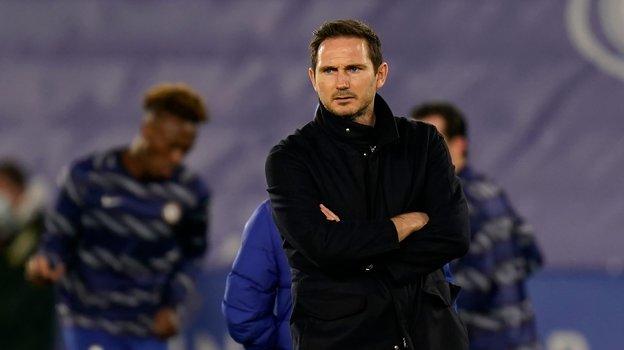«Челси» снова уволил тренера. Лэмпард продержался полтора года