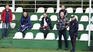Тренерский штаб сборной России посетил тренировку «Ахмата» насборе вТурции