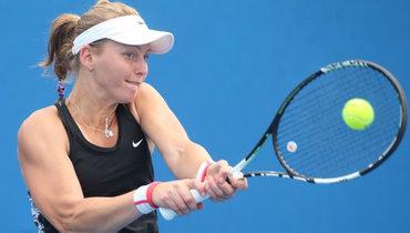 Самсонова разгромно уступила Мугурусе вовтором круге Australian Open