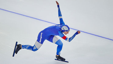 Пока биатлонисты мучаются, конькобежцы искелетонисты— жгут. Голикова— чемпионка мира!