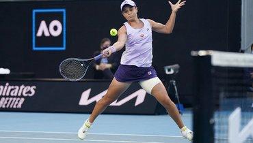 Александрова уступила Барти ипоследней изроссиянок покинула Australian Open