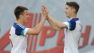 Алексей Миранчук (справа) иАлександр Головин.