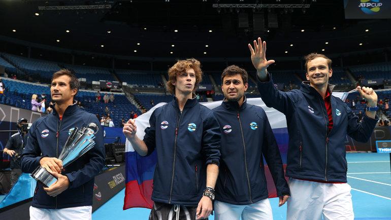 Даниил Медведев, Аслан Карацев, Андрей Рублев иЕвгений Донской (справа налево) принесли России победу наATP Cup. Фото Reuters