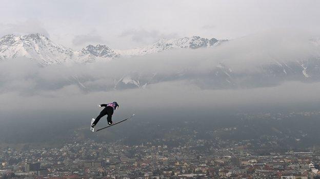 Соревнования попрыжкам страмлина вОберстдорфе. Фото AFP