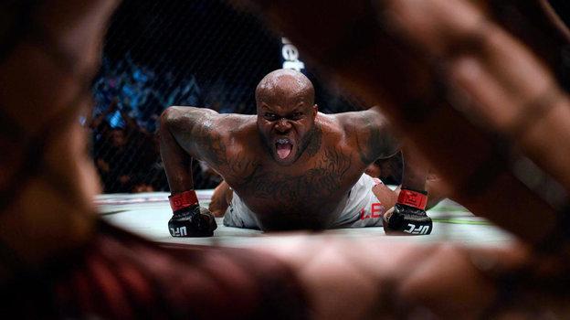 Деррик Льюис. Одно из самых легендарных празднований победы в UFC.