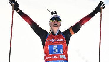 Норвегия выиграла женскую эстафету наЧМ побиатлону, Россия непопала втоп-10