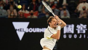 Медведев проиграл Джоковичу вфинале Australian Open