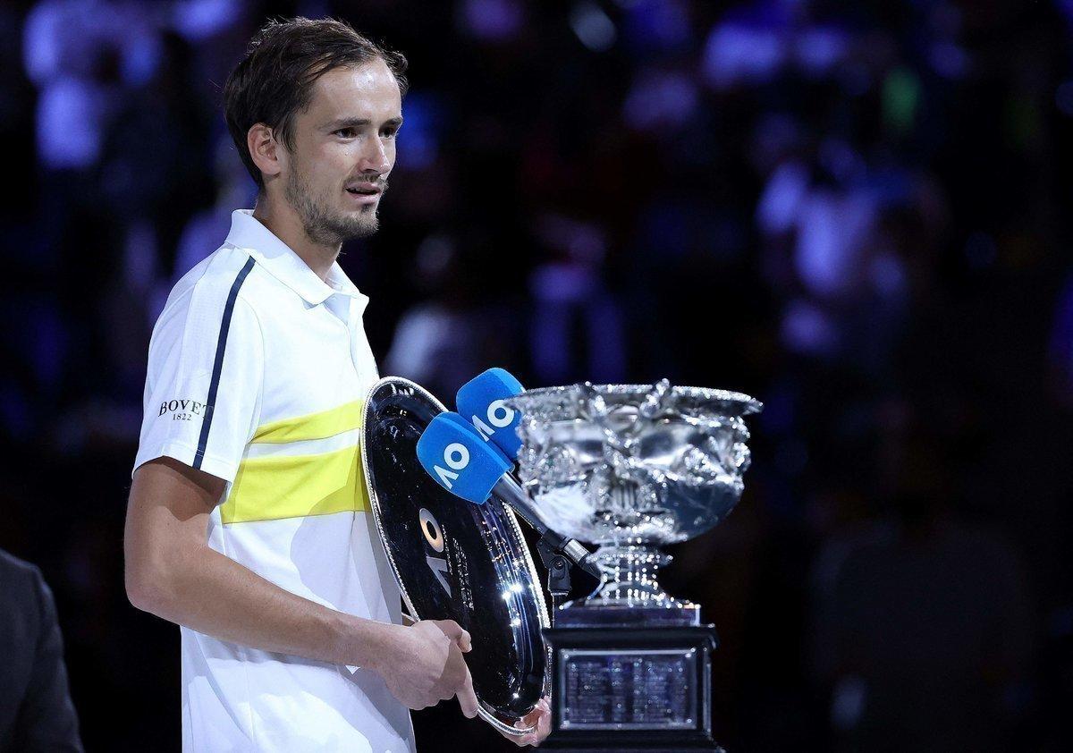 «Поражение вфинале отНадаля было обиднее». Интервью Медведева после урока отДжоковича