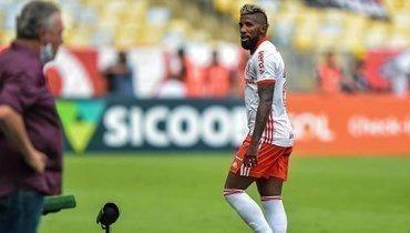 Фанат заплатил, чтобы защитник «Интернасьонала» сыграл с «Фламенго», аонпривез гол иудалился