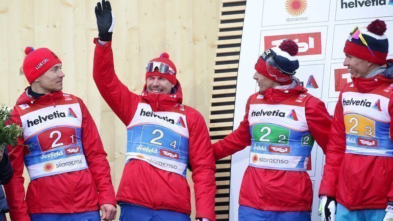 Сергей Устюгов (второй слева) инаши ребята. Фото Reuters
