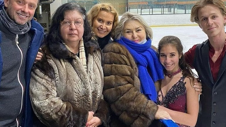 Этери Тутберидзе и Татьяна Тарасова (в центре). Фото Instagram