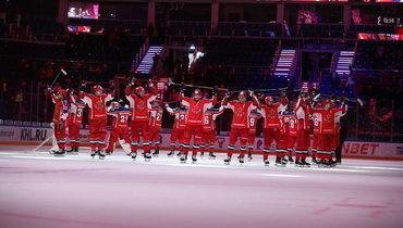 Хоккеисты ЦСКА после победы над «Салаватом Юлаевым» вматче регулярного чемпионата КХЛ.